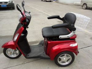 Electric Passenger Tricycle for Old People and Disabled People pictures & photos