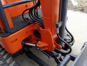 1800kgs Mini Excavator with Cabin pictures & photos