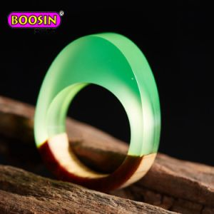 2017 Fashion Handcrafted Resin Wood Rings pictures & photos