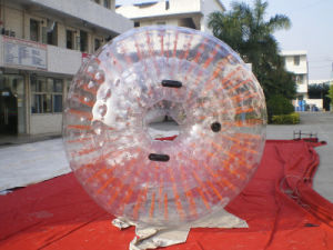 Amazing Inflatable Water Walking Zorb Ball on Sale (CHW118) pictures & photos