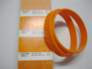 Personalized Logo Debossed Silicone Wrist Bands for Promotional Gift pictures & photos
