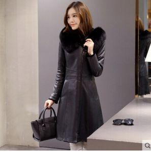 Lady′s Hooded Shearling and Lamb Leather Coat Long Style pictures & photos