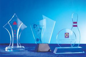 Customize Clear Acrylic Trophy Event Award Trophy pictures & photos