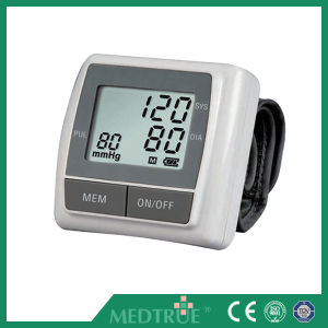 Ce/ISO Approved Medical Wrist Digital Blood Pressure Monitor (MT01036034) pictures & photos