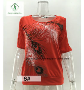 European Hot Sale Feather Printed Strapless Short Sleeved Women T-Shirt pictures & photos