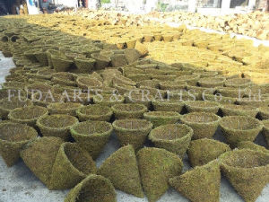 2017 Manufacturer Yellow Rattan Flower Basket for Home and Garden Decoration pictures & photos