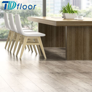 Easy Maintenance Waterproof PVC Vinyl Plank Click Lock Flooring pictures & photos