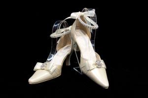 Women Shoes (E-013)