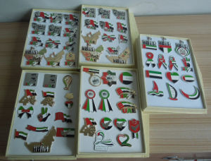 UAE Badges Collections in Gift Boxes, UAE National Day Pins with Gift Box pictures & photos