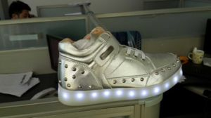 Children LED Flash Shoes Rechargeable Battery, USB Charging, Lasting 8 Hours, Real Kids Leather Shoes pictures & photos