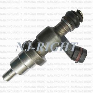 Fuel Injector (23250-28030) for Toyota RAV4 pictures & photos