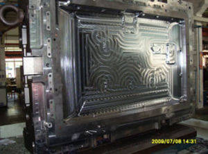 Hi-Glossy Steam Heated Plastic Mould for TV Appliance with 3300 Injection Molding