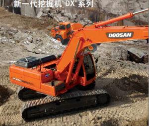 High Quality Doosan Excavator Dx300LC 30 Ton Crawler Excavator pictures & photos
