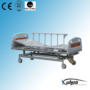 Two Functions Manual Hospital Medical Nursing Bed (XH-B-7) pictures & photos
