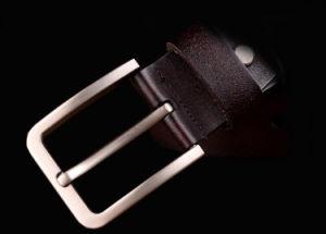 Luxury Men′s Leather Belt Jeans Belt Pin Buckle Fashion Retro pictures & photos