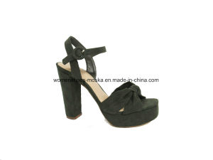New Design Lady Fashion Women Chunky High Heel Sandals with Knot pictures & photos
