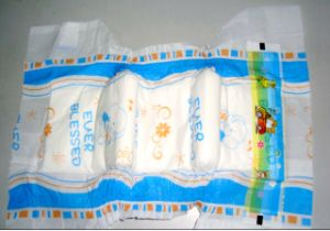 2014 Disposable Baby Diaper in Bales Manufacturer in China pictures & photos