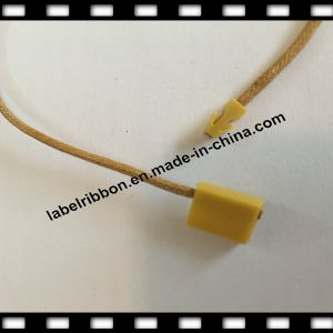 Hot Sell Seal String Hang Tag for Garments and Shoes /Plastic (ST017) pictures & photos