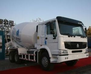 Sinotruk HOWO 6X4 6-8m3 Mixer Truck pictures & photos