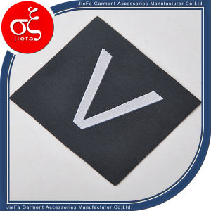 Simple Alphabet Letter Logo Woven Label/Main Label for T-Shirt pictures & photos