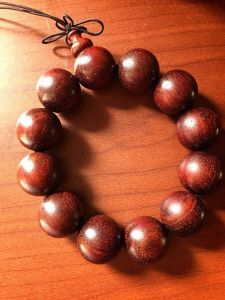 Fashionable Round Red Sandalwood Beads pictures & photos