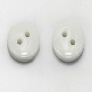White Color 2 Holes Plastic Button for Shirt Garment pictures & photos