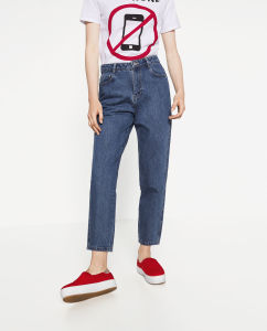Fashioned Women Loose Pant pictures & photos