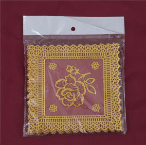 12.5*12.5cm Square Shape PVC Gold Lace Tablemat Feature Oilproof/Waterproof and Wedding pictures & photos