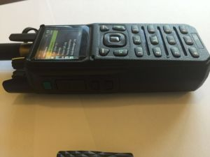 Low VHF Tactical Portable Radio, Bulid in Bluetooth Digital Radio with Bluetooth Earphone pictures & photos