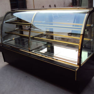 Curved Glass Door Vertical Sweet Display Showcase Chiller pictures & photos