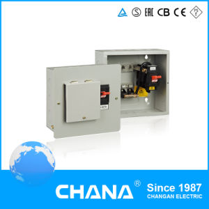 Surface or Flush Mountd 1 Phase Distribution Box with Main Switch pictures & photos