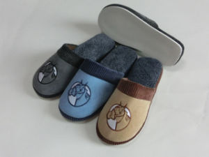 Warm Soft Indoor Winter Soft Slipper with Plush pictures & photos
