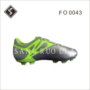 Women and Men Outdoor Soccer Shoes and Football Shoes pictures & photos