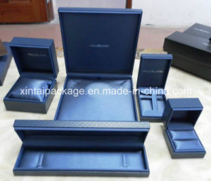 Black Plastic Jewelry Box with Leatherette Paper pictures & photos