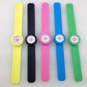 Fashion Kids Quartz Watch with 30 ATM