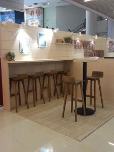 Oak Wood Bar Stools (DS-L001) pictures & photos