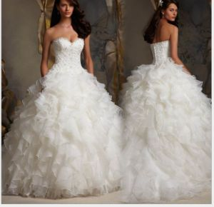 Organza Bridal Ball Gown Strapless Lace Corset Wedding Dress Mrl1723 pictures & photos
