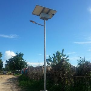 20W Solar Street Light with Battery on The Pole (DZS-05-20W) pictures & photos