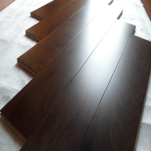 Engineered Walnut Flooring/ Walnut Engineered Flooring/ Walnut Flooring (EW-2) pictures & photos