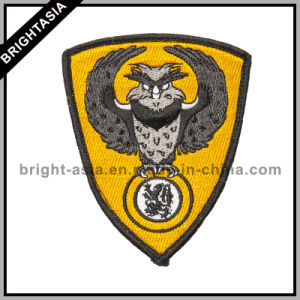 Custom Cheap Embroidery Patch for Clothes (BYH-10778) pictures & photos