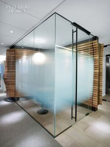 Acid Etched Glass with Gradient for Shower Room pictures & photos