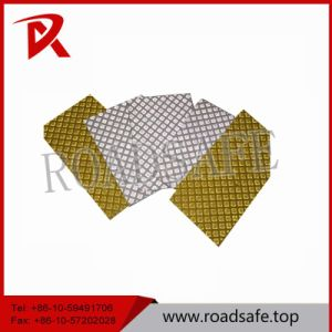 Highly Reflection Thermoplastic Pavement Vibration Road Marking Tape pictures & photos