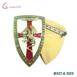 Zinc Alloy Gold Lapel Pin for Wholesale pictures & photos