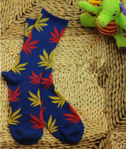 New Men Women Maple Leaf Printing Cotton Socks pictures & photos