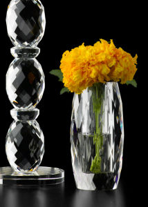Tapered Wholesale Glass Crystal Bud Vase pictures & photos