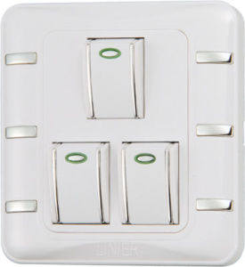 3 Gang 1 Way Wall Switch (EE-HM-K03) pictures & photos