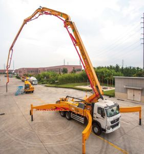 XCMG Official Manufacture HB23k Mobile Concrete Mixer with Pump pictures & photos