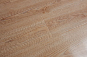 12mm HDF Flat Laminated Wood Flooring pictures & photos