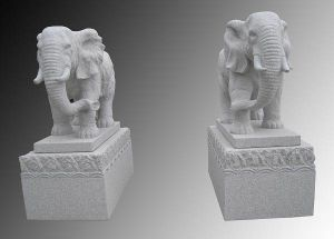 Hand-Carved Natural Stone Granite Elephant Statues pictures & photos