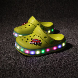New Style Unisex Rechargeable Summer sandals Shoes Kids Shoes LED pictures & photos